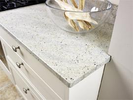 Erzeugnisse aus Marmor, Granit, Quarzkomposit und Keramik