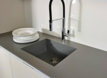Top in Silestone Gris Expo Suede (01)