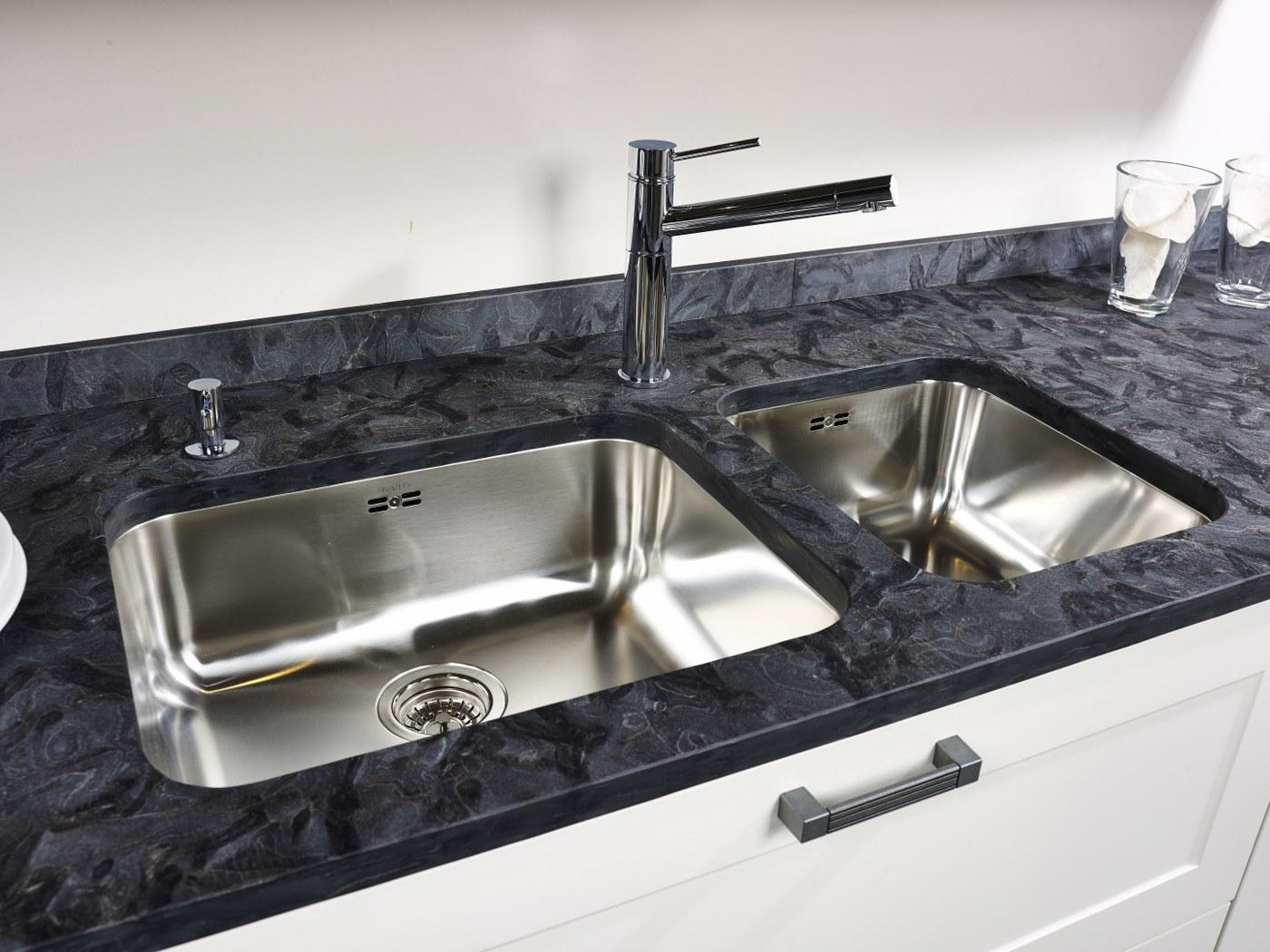 arbeitsplatte aus granit matrix satiniert. Black Bedroom Furniture Sets. Home Design Ideas